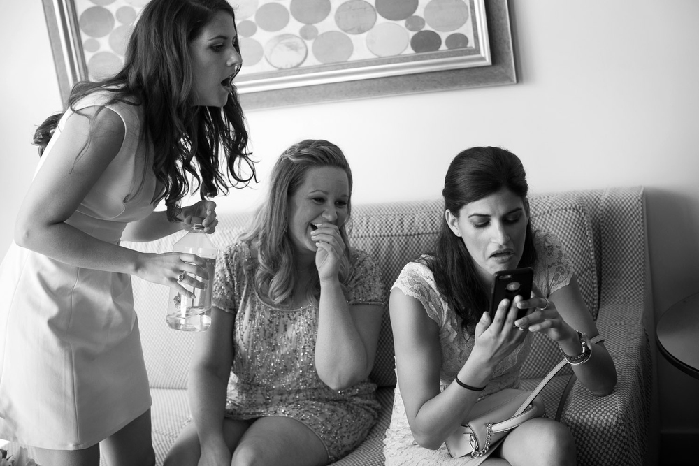 bridesmaids extreme reaction to photo on iphone