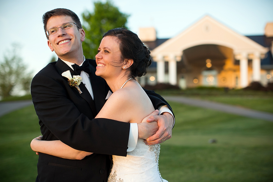 heather and greg wedding portraits at musket ridge golf course