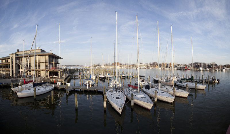 wedding photograph at the annapolis yacht club by dennis drenner